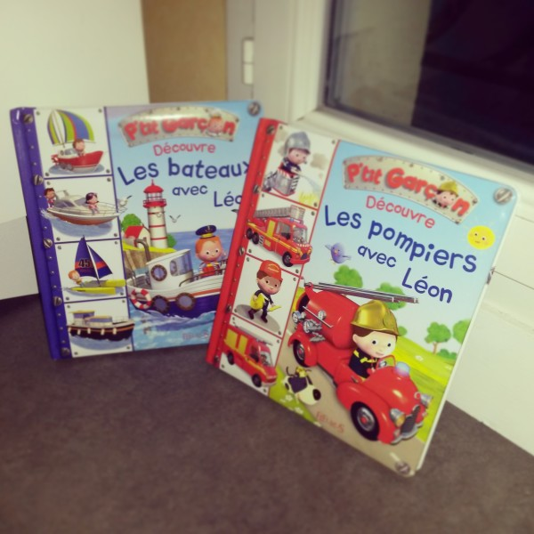 Deux ouvrages des editions Fleurus les pompiers et les bateaux