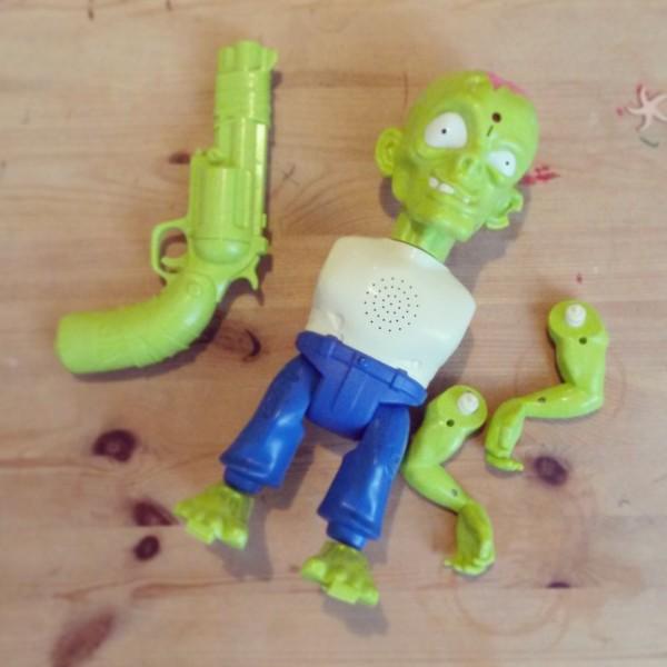 zombie démantibulé